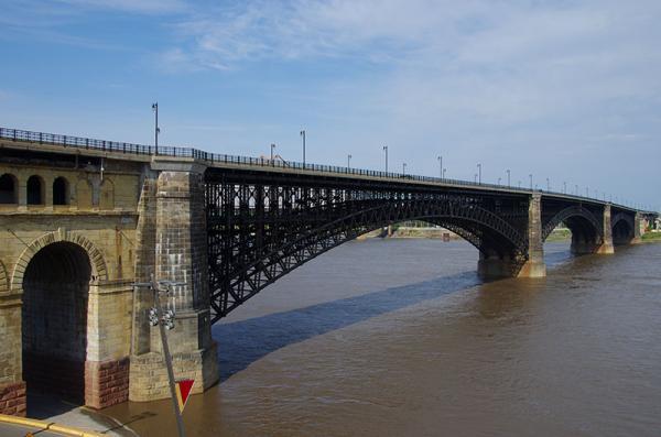 Pont sur le Mississippi